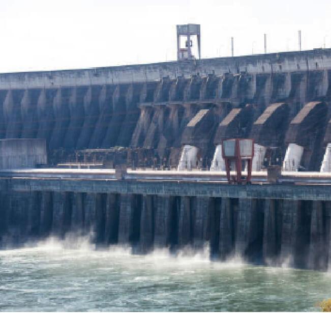 イタイプダムの写真